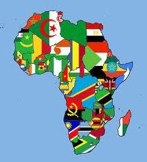 Carte de l'afrique avec les drapeaux des pays